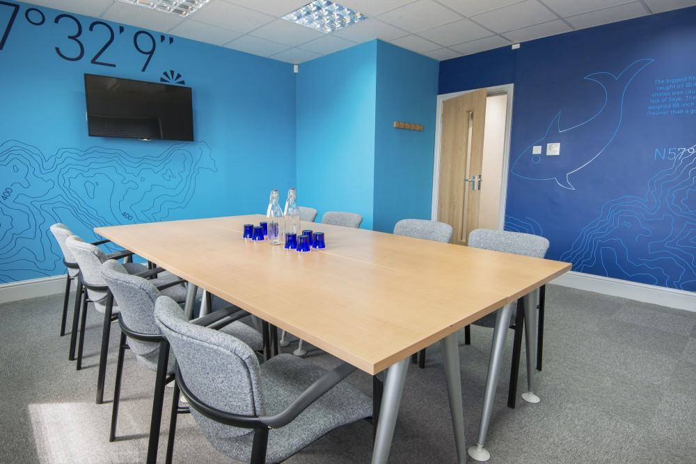 OS 1 - Open Space Meeting Room 1 for 2 to 14 guests